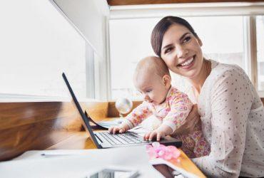 Топ-5 финансовых решений для родителей, которые сидят с детьми