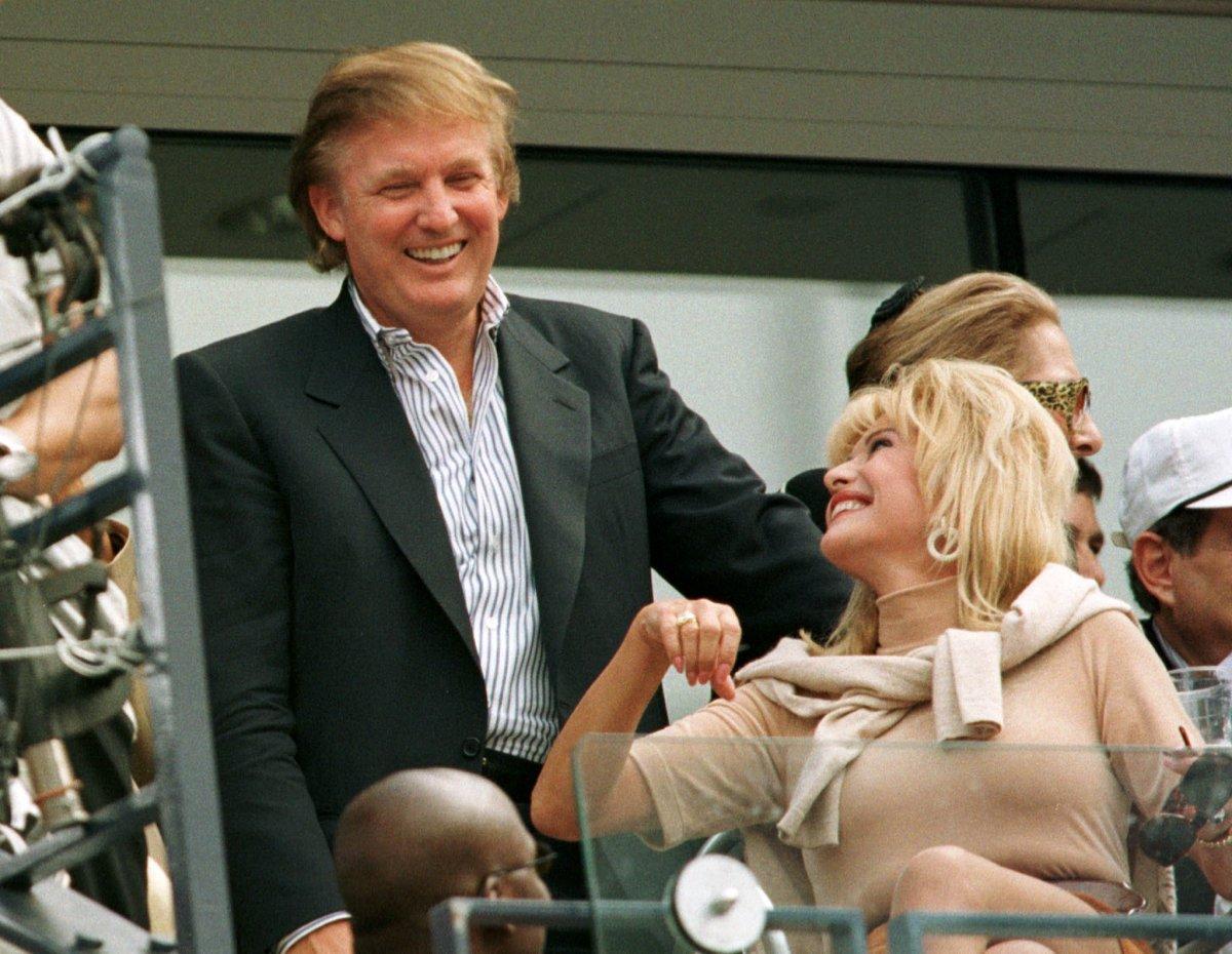Трамп со своей бывшей женой Иваной на теннисном матче. Фото: businessinsider.com