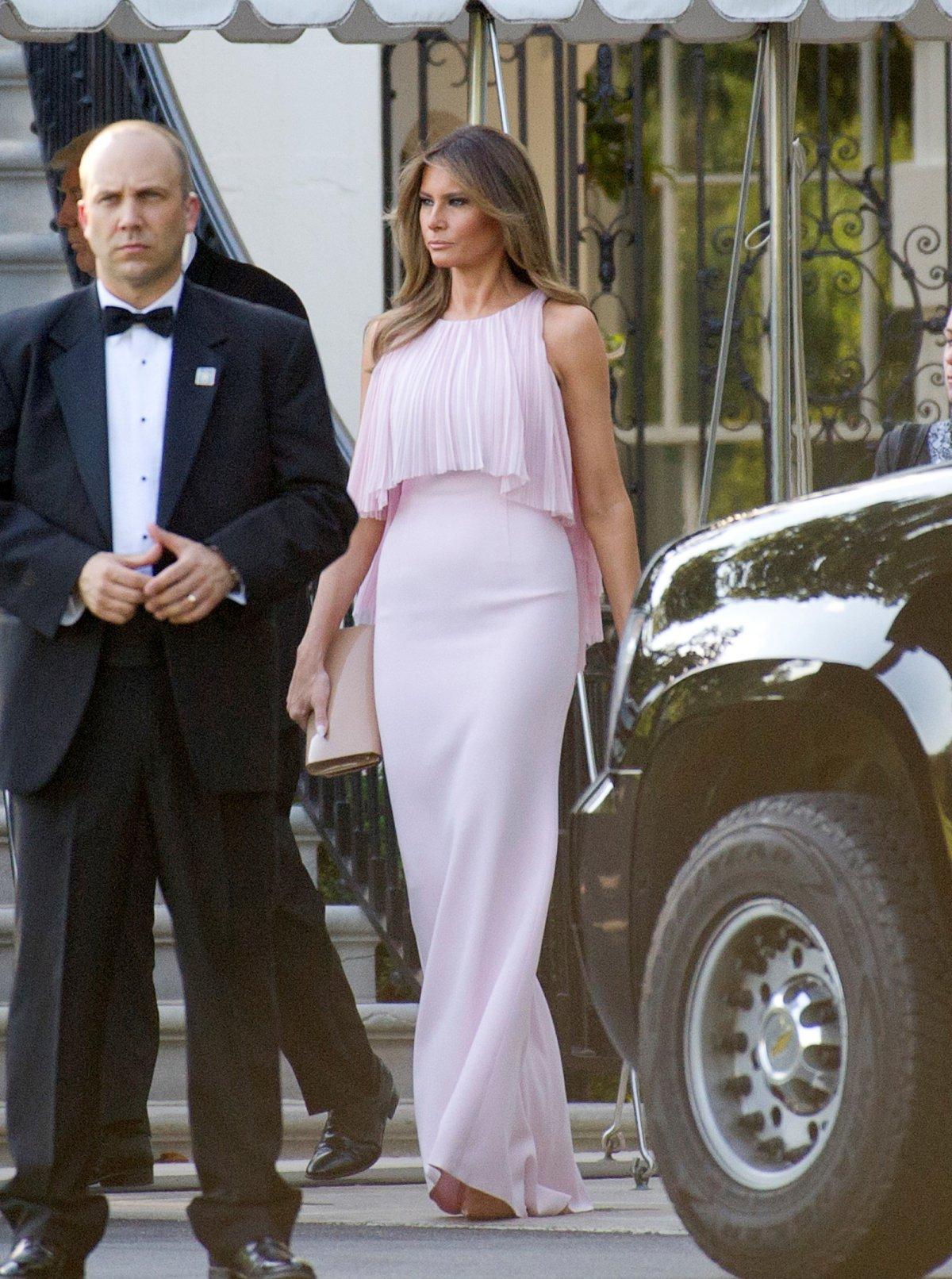 Мелания Трамп в платье Gilles Mendel. Фото: businessinsider.com