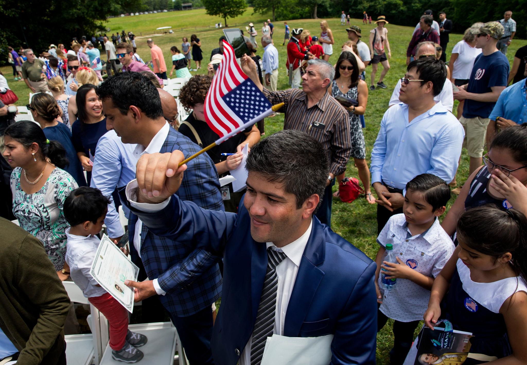 Традиционно церемония натурализации происходит в День Независимости. Фото: nytimes.com