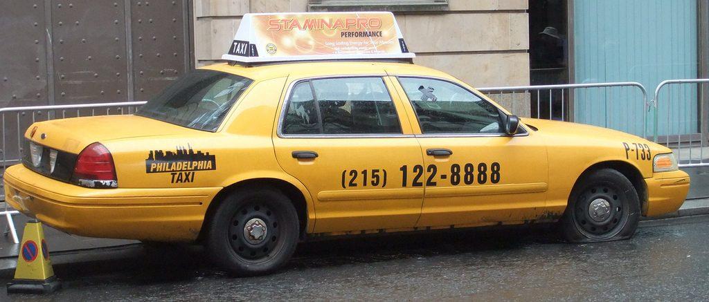 Пенсионерка отказалась платить за такси и просто угнала машину. Фото staticflickr.com