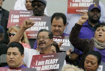 Представители 10 штатов призвали Трампа отменить одну из программ защиты иммигрантов