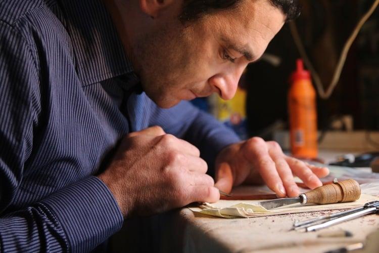 Так мастера создают очки. Фото: hetmans.com