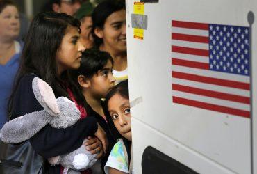 Власти США платят техасским округам за отслеживание иммигрантов