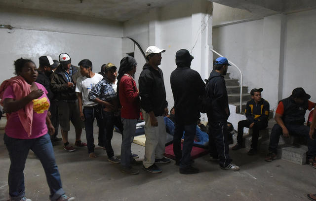 Беженцы на границе. Фото: meduza.io