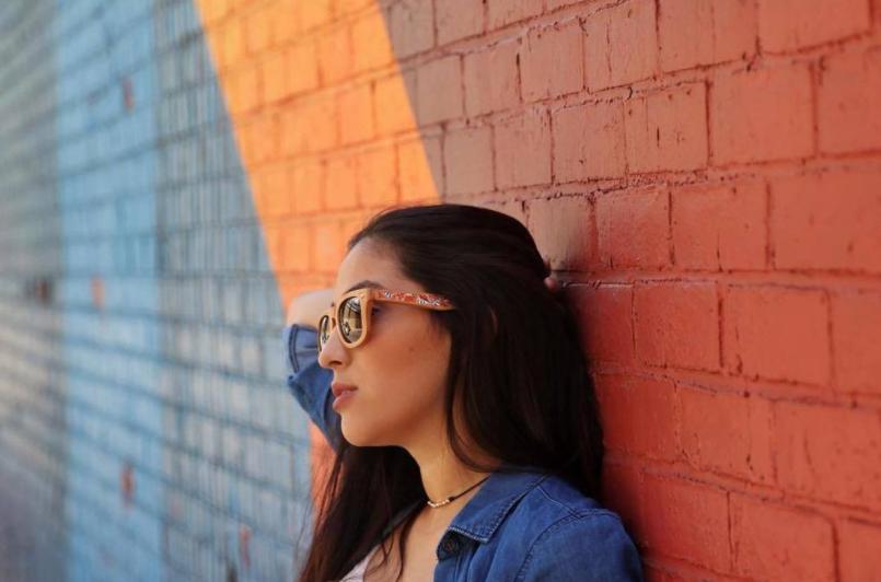 Очки Ника стали популярными в США. Фото: twitter.com/hetmanseyewear