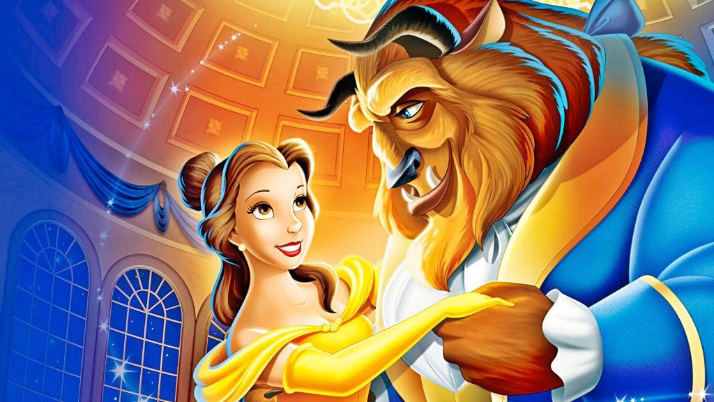 """Прекрасный способ провести хорошо вечер - это просмотр мультфильма """"Красавица и чудовище"""" на большом экране. Фото pinimg.com"""