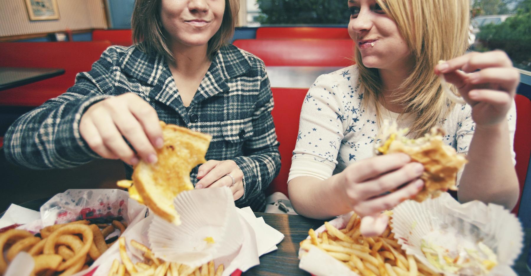 21 июля - национальный день вредной еды. Фото: greatist.com