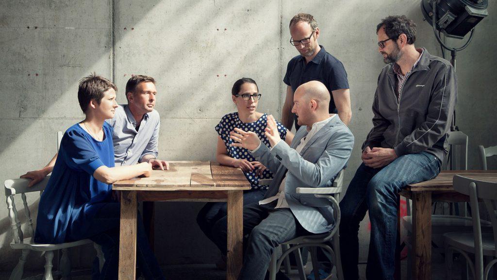 В вашем окружении должны находиться люди, которые хорошо работают и любят свое дело. Фото life.ru