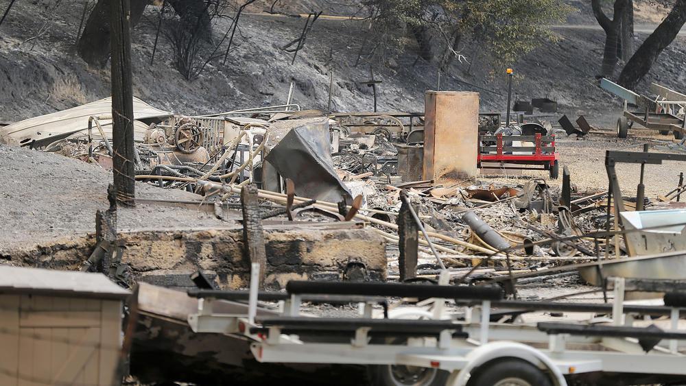 Последствия пожара в Санта-Барбаре. Фото: latimes.com