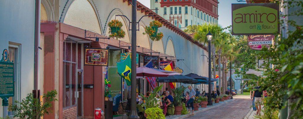 По городу Сент-Огастин можно гулять днями и ночами. Фото stgeorge-inn.com