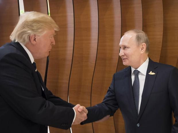 Трамп и Путин говорили около часа. Фото: independent.co.uk