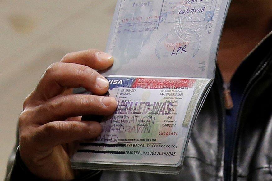 Странам придется передавать больше информации о своих гражданах. Фото: news18.com