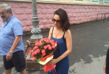 ФОТО: Мила Кунис и Эштон Катчер посетили Черновцы
