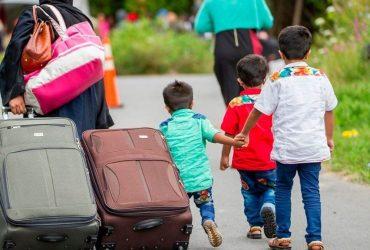 Нелегалы из США тысячами переполняют Канаду