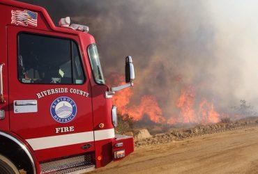 Пожар в Риверсайде сжег 400 гектаров земли