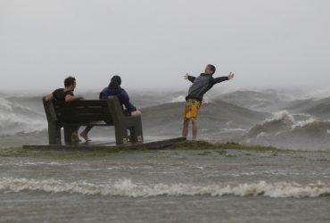 Самый мощный ураган за 10 лет надвигается на Техас