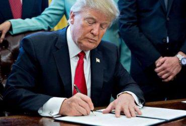 Пути назад нет: Трамп подписал законопроект о санкциях против России