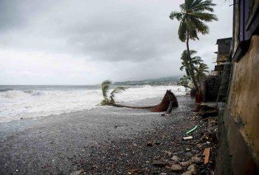 Пуэрто-Рико страдает от самого сильного урагана за 85 лет