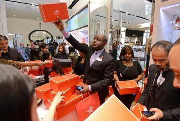 Macy's ищет 80 000 сотрудников на праздничный сезон