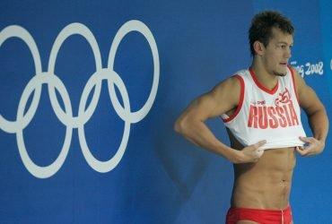 Почему олимпийский призер по плаванию из России будет выступать за США