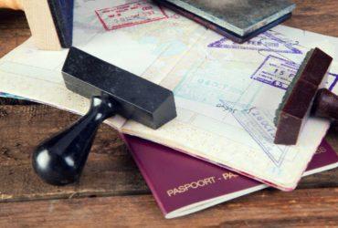 США вдвое сократили выдачу виз россиянам