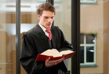 Сказ об адвокате-мошеннике и оформлении «экстраординарной» визы O