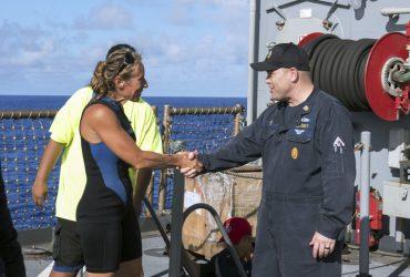 Двух американок спасли после пяти месяцев дрейфа на яхте в Тихом океане