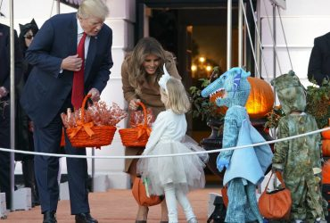 ФОТО: Белый дом принял 6 000 гостей в честь Хэллоуина