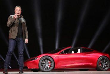 ВИДЕО: Илон Маск представил электрический грузовик и самый быстрый массовый спорткар