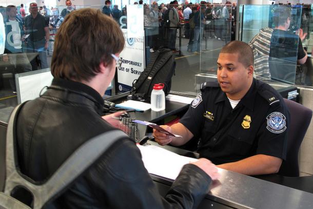 Как остаться в США по туристической визе (легализоваться, пребывание)