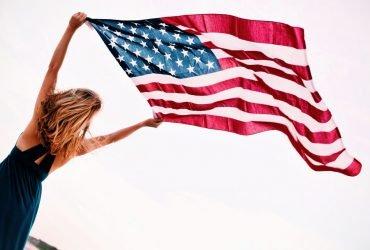 Благодаря лотерее грин-карт в США прибыло на 345% больше иностранцев, чем ожидалось