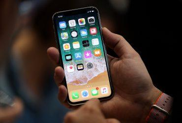 Глава Apple заявил, что стоимость iPhone X сравнима с ценой кофе