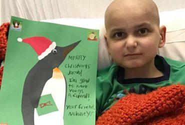Девятилетний мальчик справляет свое последнее Рождество — и ждет ваших открыток