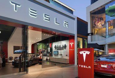 Tesla выпустили портативную батарею для смартфонов