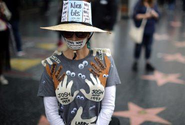 Тысячи людей выступили против насилия в Голливуде