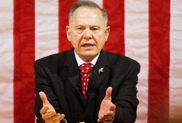 Рой Мур проиграл на скандальных выборах в Алабаме