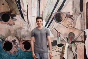 «Мой визовый адвокат перевез Меланию Трамп»: как российский художник живет на две страны