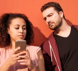 ВИДЕО: Новая программа Google запретит посторонним подглядывать в смартфон
