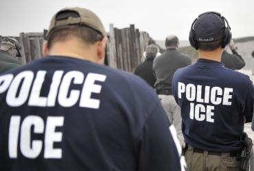 Иммиграционная полиция задержала нелегала после интервью в газете