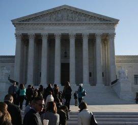 Верховный суд полностью одобрил третий иммиграционный указ Трампа