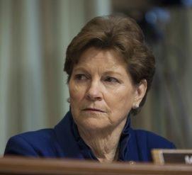 Россия отказалась впустить американского сенатора