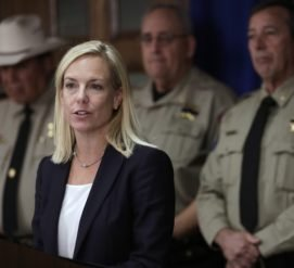 Секретарь нацбезопасности рассказала о планах Трампа и конгресса по иммиграционным переговорам