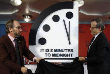 Две минуты до полуночи: «Часы судного дня» передвинули ближе к апокалипсису