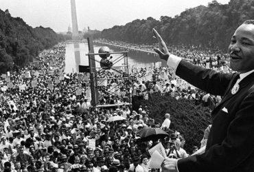 День Мартина Лютера Кинга стал популярнее Дня президентов
