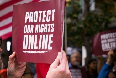 Прокуроры 21 штата подали в суд из-за отмены сетевого нейтралитета