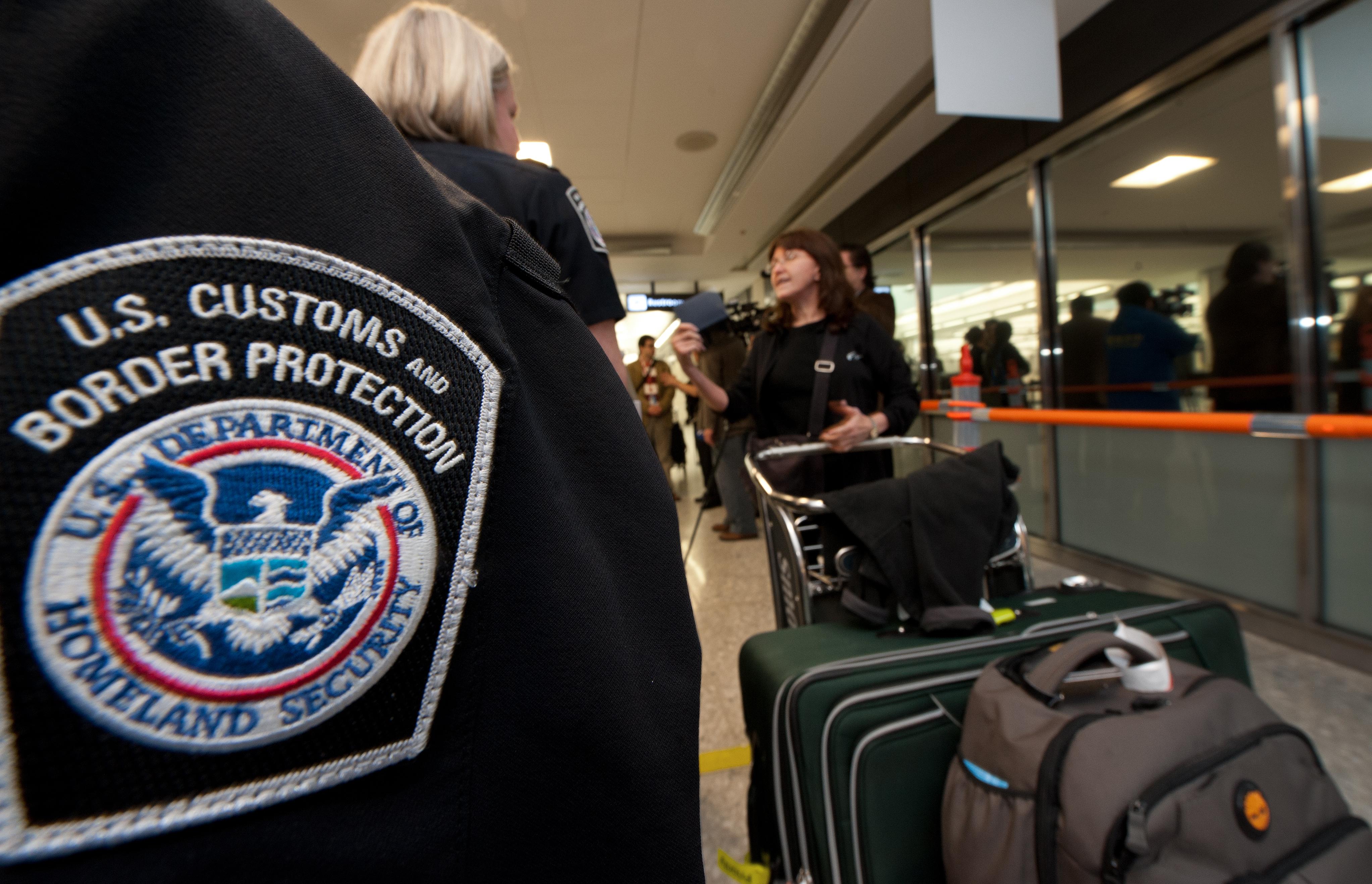 Пограничная служба обновила правила проверки электронных устройств