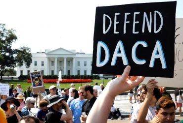 Иммиграционная служба возобновила прием заявок на продление DACA