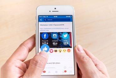 Facebook будет продвигать местные новости в ленте пользователей