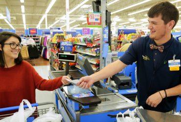 В Walmart выросли зарплаты и появился декрет